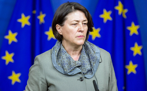 epa05655526 European Commissioner for Transport, Violeta Bulc during a joint press conference with German Transport Minister Alexander Dobrindt (not pictured) on German road charges toll plans in Brussels, Belgium, 01 December 2016. The European Commission on 01 December 2016 has given green light form Germany's altered plans to introduce a road toll on its motorways, top transport officials from both sides say EPA/STEPHANIE LECOCQ |
